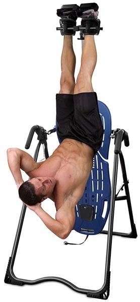 musculation avec une table d'inversion